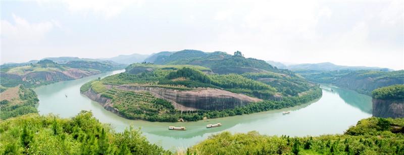 以便江上游为中心,形成便江水利风景区,丹霞地貌遍布,两岸含秀吐绿